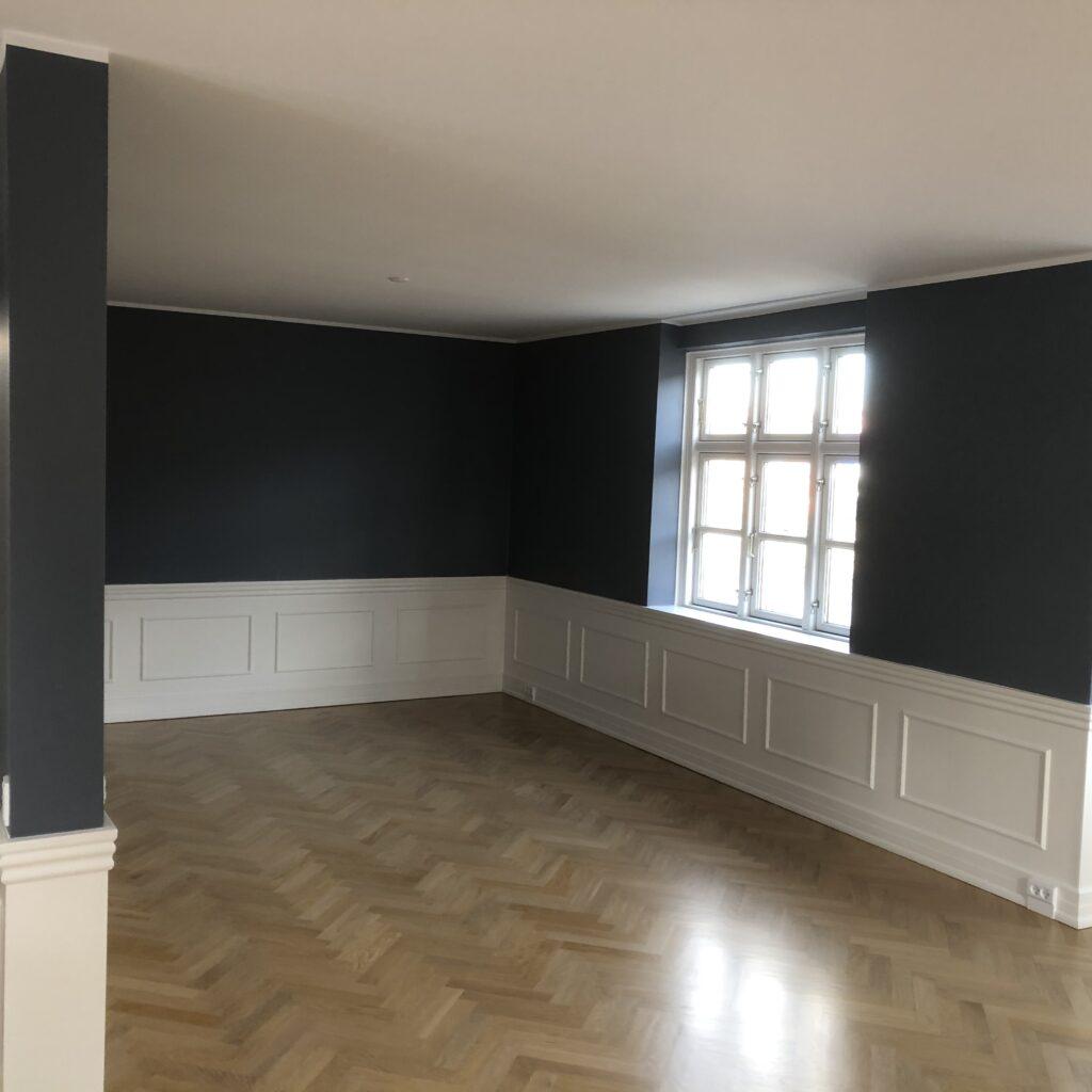 Crillesen & Sørensen Fengersvej – Mal af i 3 etager – køkken / stue let sil 1 x 2 komponent gulvlak #cogs